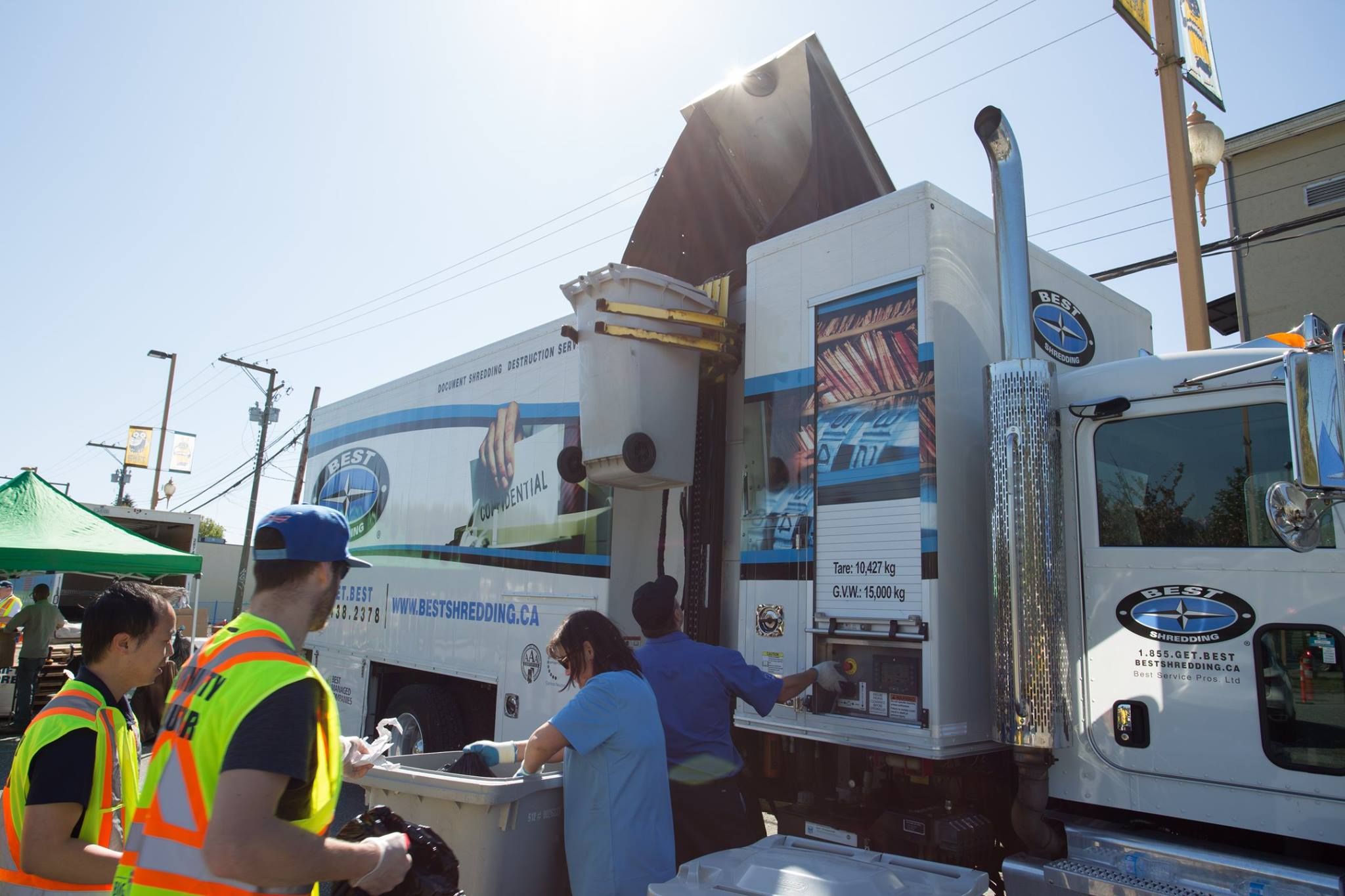 Community Shredding Event with a BEST Truck